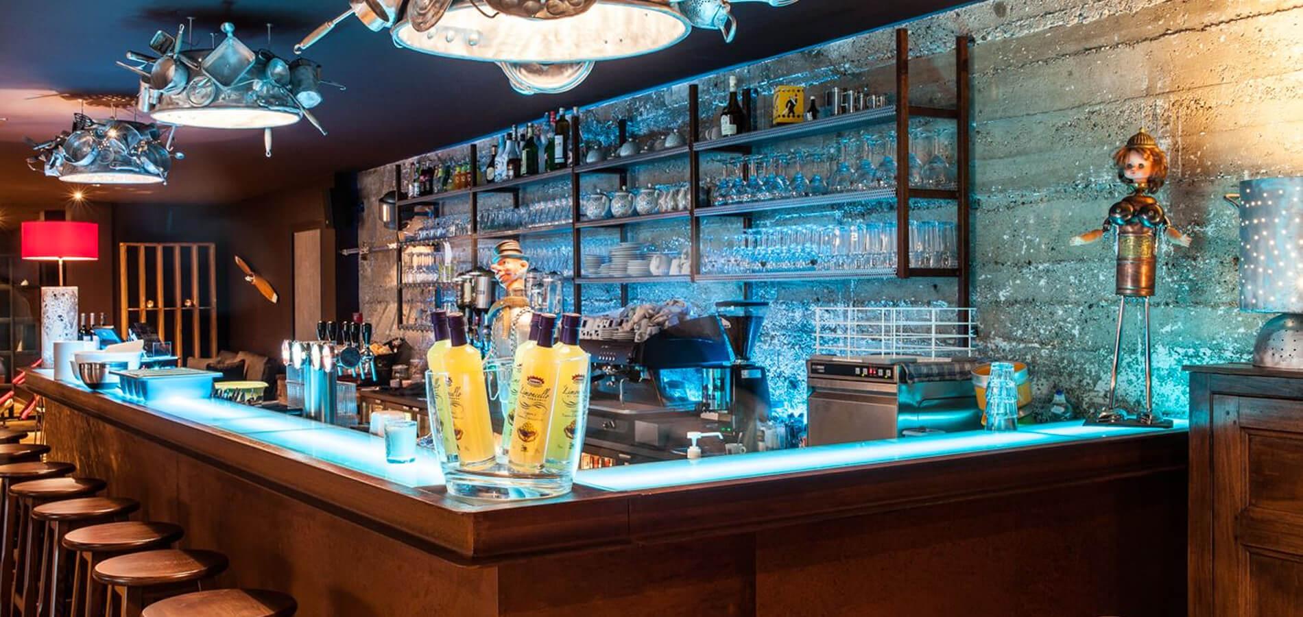 Le bar du restaurant Le Spazio à Fécamp
